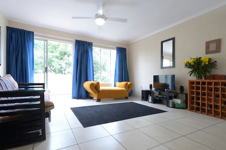 Sunny, Cozy - Perfect Location! - Roodepoort