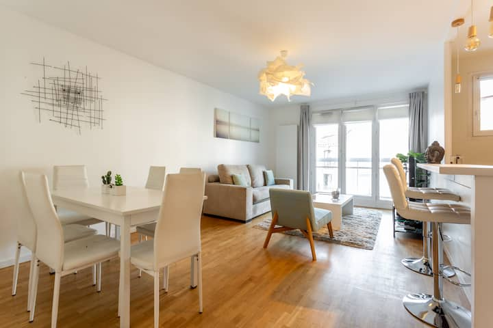 Modern/LaDefense 15min walking/15min ChampsElysees
