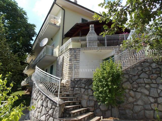 Edina E. - 106 - studio apartment - Poljane - Apartemen