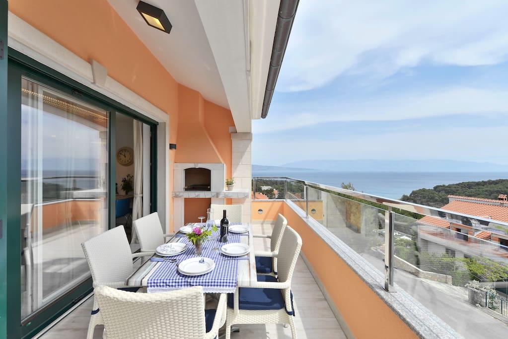 Beautiful terrace wiht bbq