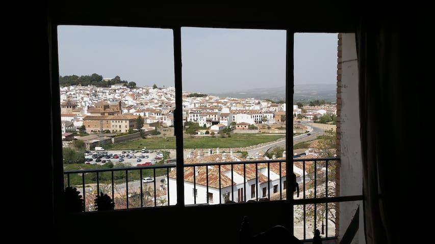 Malaga Belle Ville Ou Non