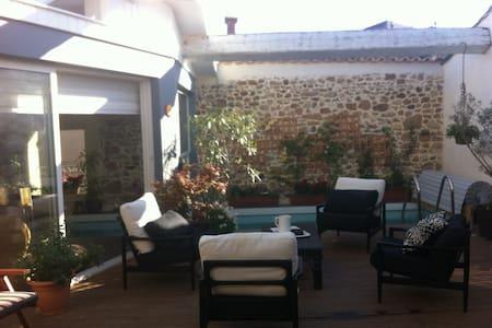 Tres Joli loft athypique avec piscine proche plage - Fontès