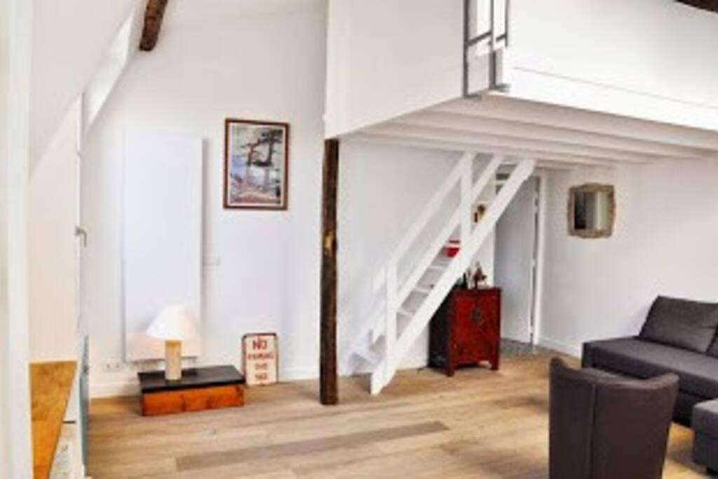 Vue du salon - sous la mezzanine
