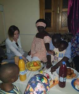 Une chambre lit double banlieue de Dakar