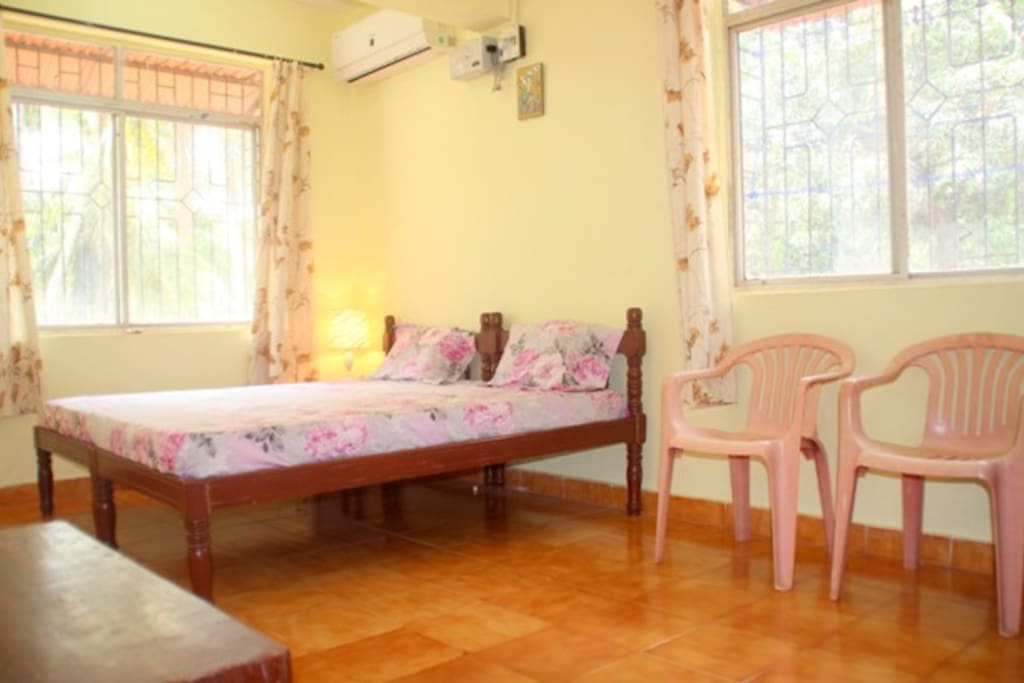 Air conditioned and spacious bedroom to accommodate 4 guests