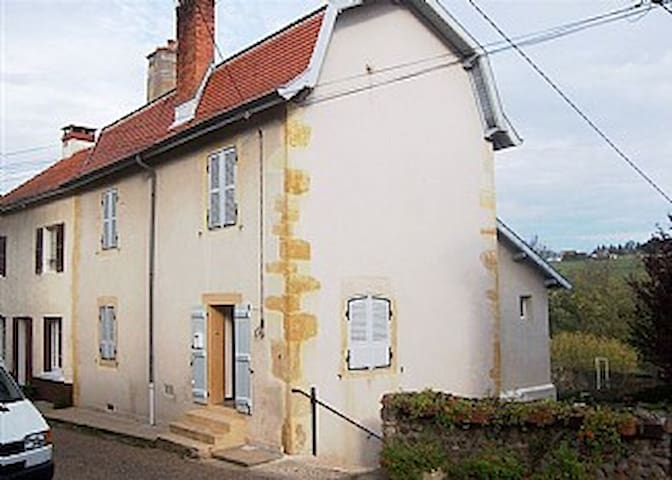 House in charming  village - Semur-en-Brionnais