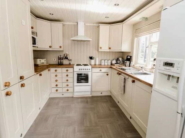 full Kitchen with all amenities and basics