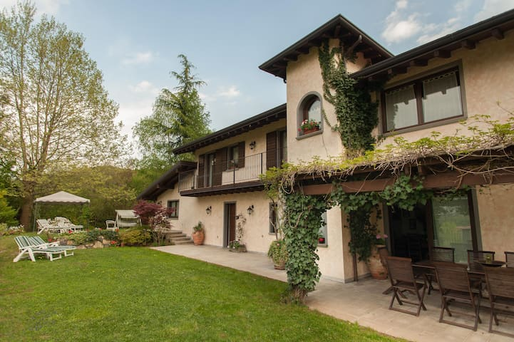 Countryside villa Lake Iseo