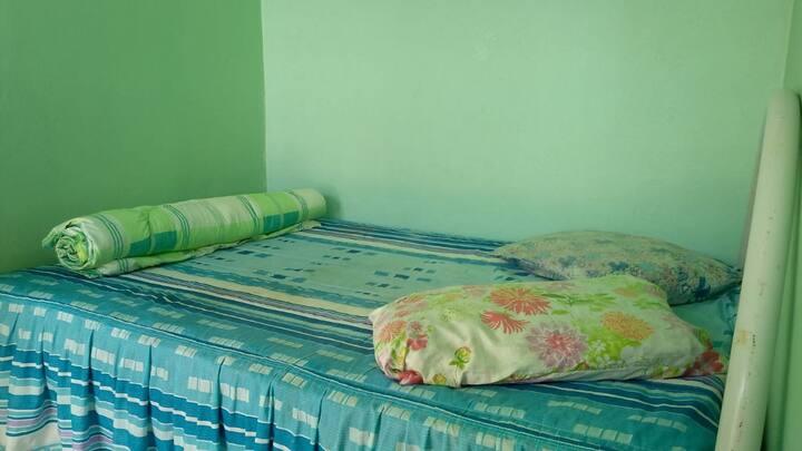 POUSADA PIRES - Hostel (quarto coletivo feminino)