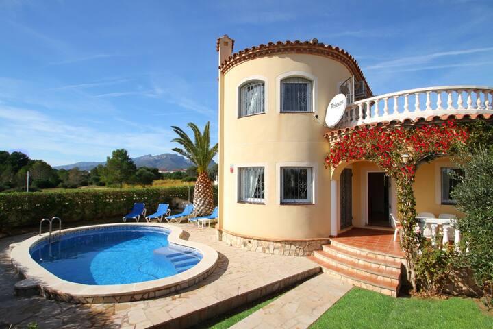 COSTA Villa piscina, jardín, BBQ, Wifi gratis
