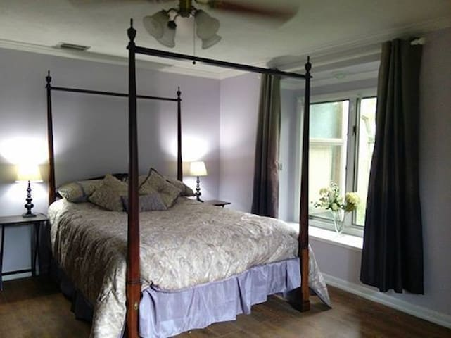The Avebury Suite ( Private Guest Quarters) - Winter Haven - Bed & Breakfast