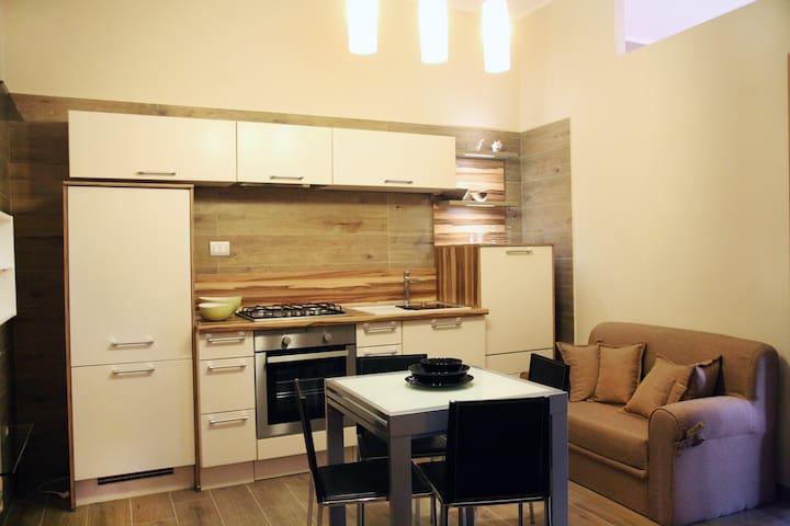 Appartamento sulla Piazza Centrale - Zapponeta - Appartement