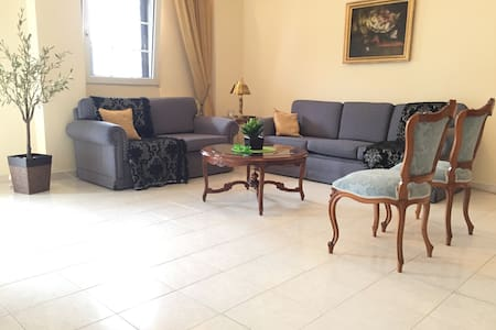 Great 3 room apt with private gym - Stavroupoli