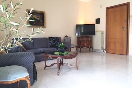 Great 3 room apt with private gym - Stavroupoli - Apartment