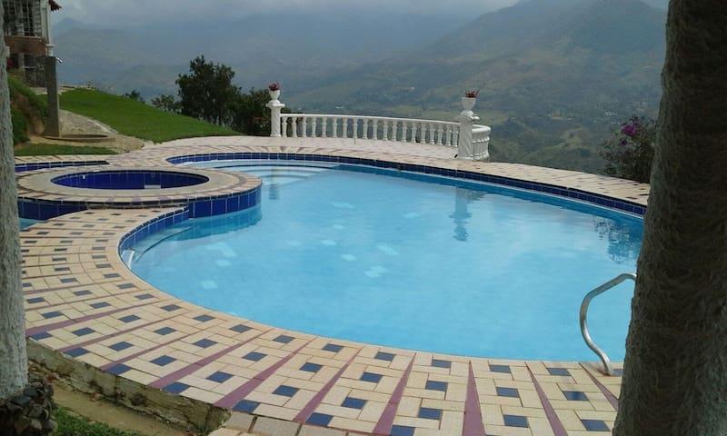 Spectacular villa in barbosa - Girardota - Vila