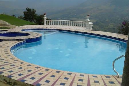 Spectacular villa in barbosa - Girardota - Βίλα