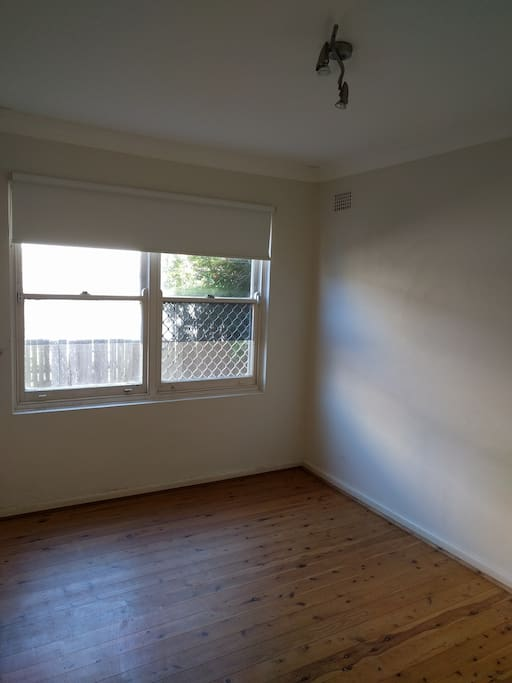 guest room, air mattress available, new roller blinds, sunny and full of air during the day