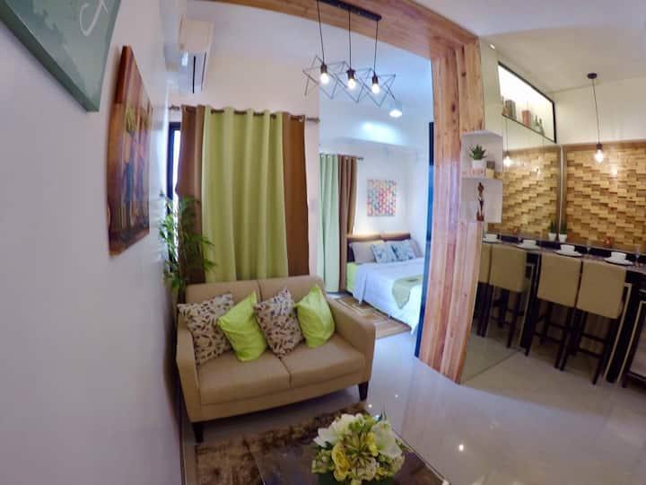 Condo in Cebu City-Mabolo Garden Flats (w/HS WIFI)