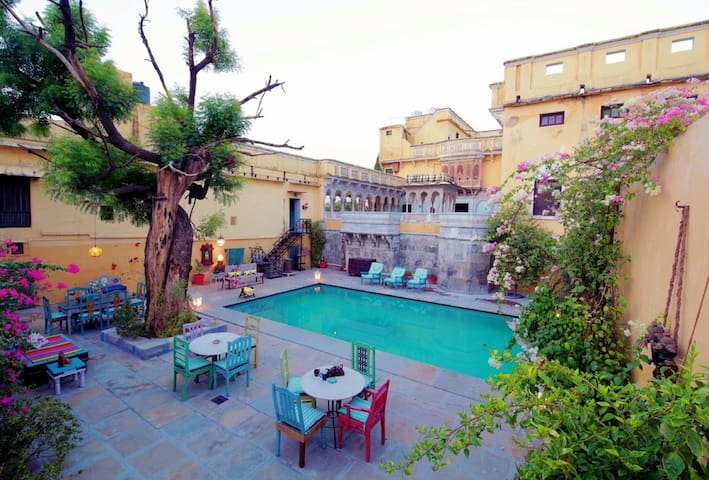 Royal King Suites in Ranakpur