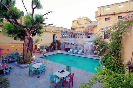 Royal King Suites in Ranakpur