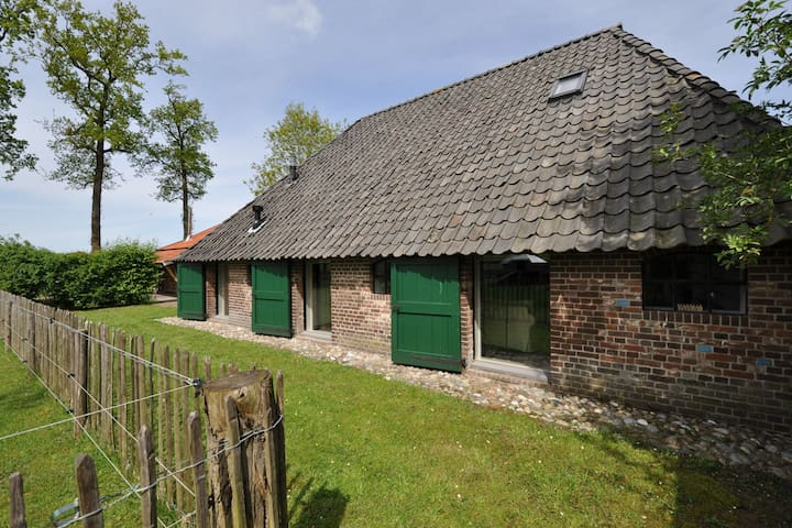 Stylish Farmhouse in Nieuwleusen with Private Garden