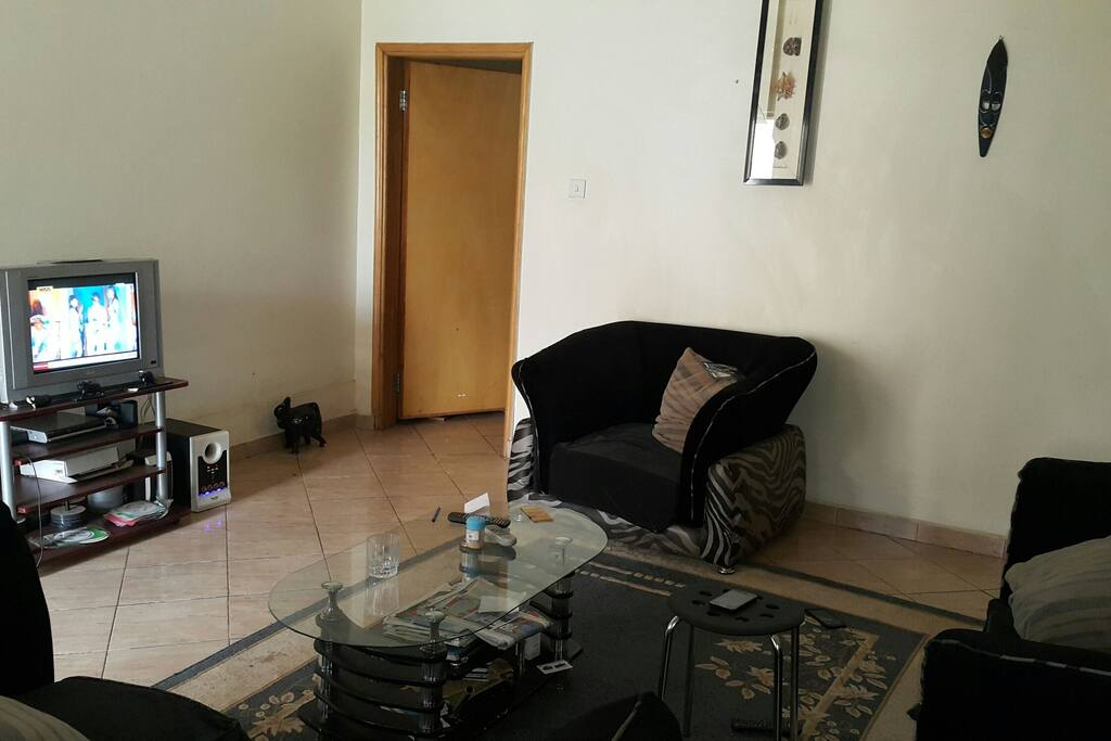 Elegant and spacious sitting room