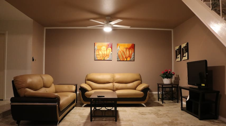 Comfortable Apt. near Galleria/Med/NRG/Downtown