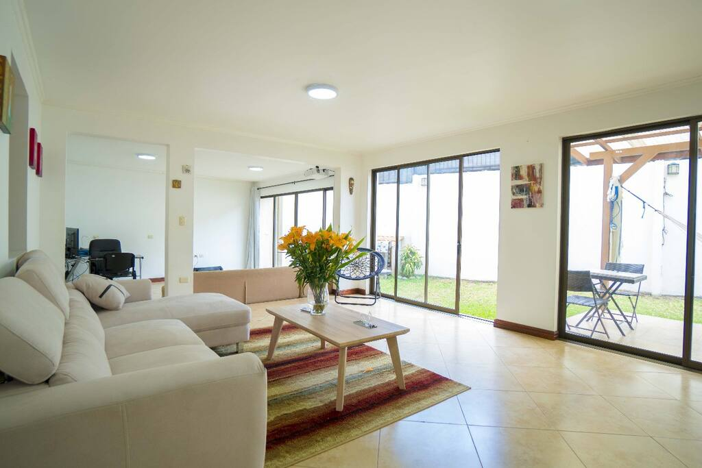 Master br with a c and bathroom in escazu houses for for Master bedroom for rent san jose