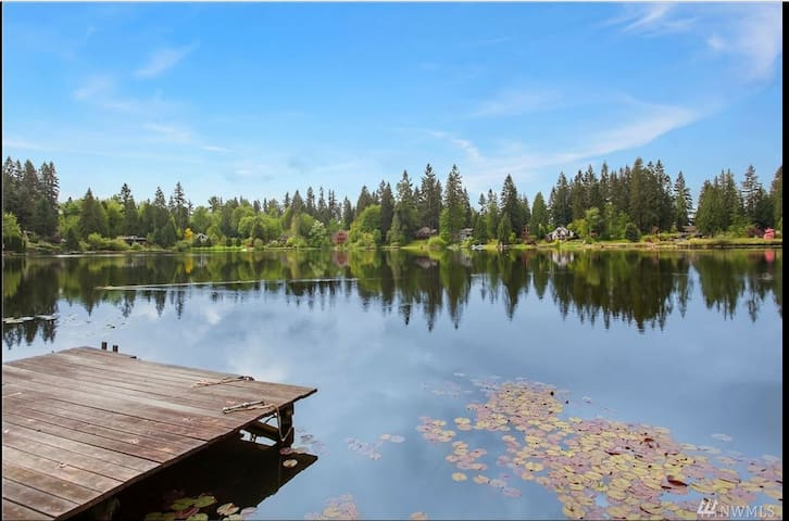 Private Echo Lake Waterfront Cabin A