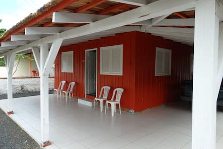 Charmosa Casa na Praia de Navegantes - Navegantes