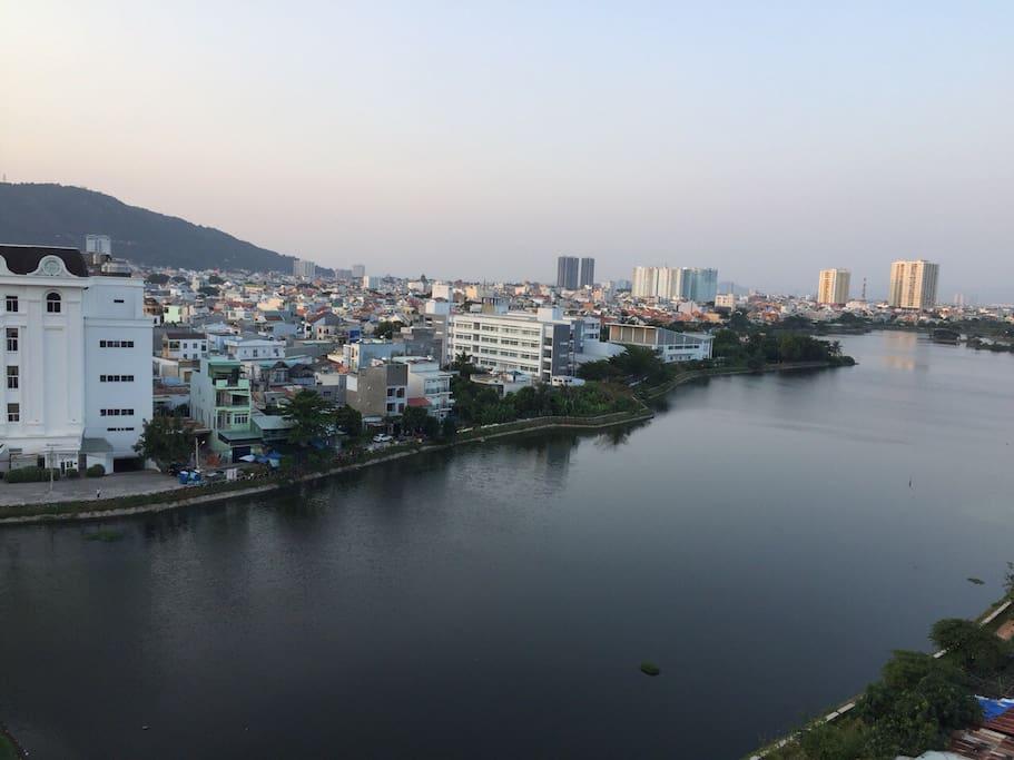 Bau Sen lake view