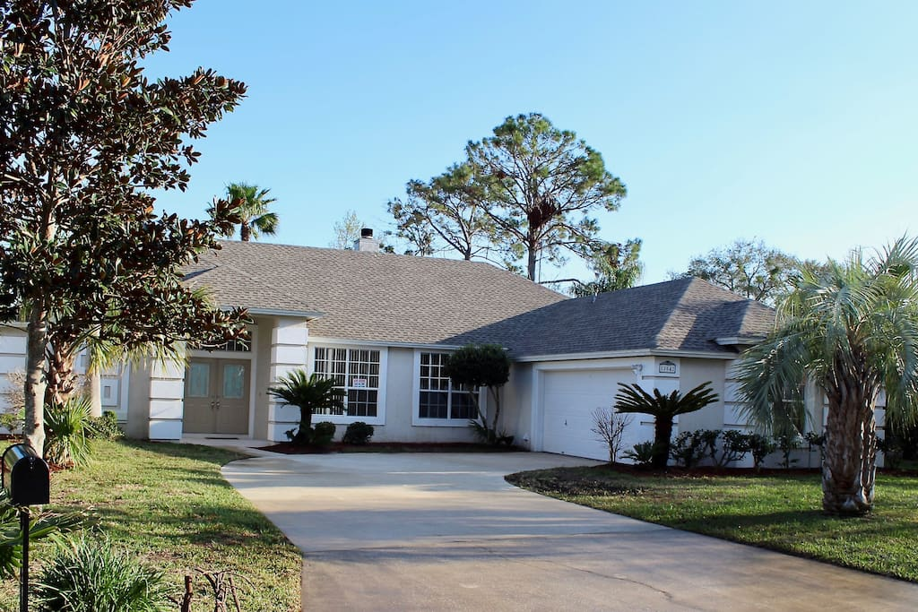 Stylish 3 Bedroom Pool House Bungalows For Rent In Jacksonville Florida United States