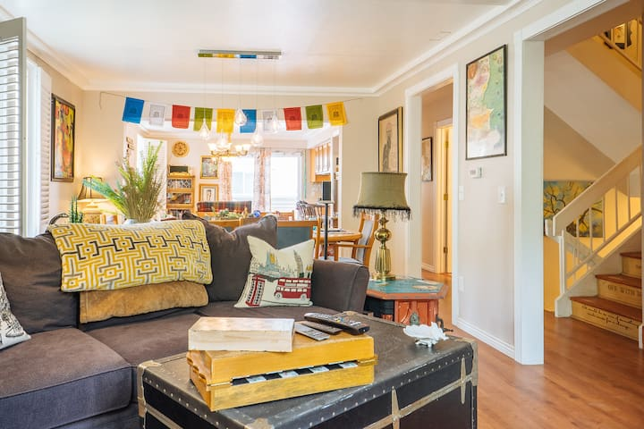 Centrally Located Private Bed & Bath: 420 Friendly