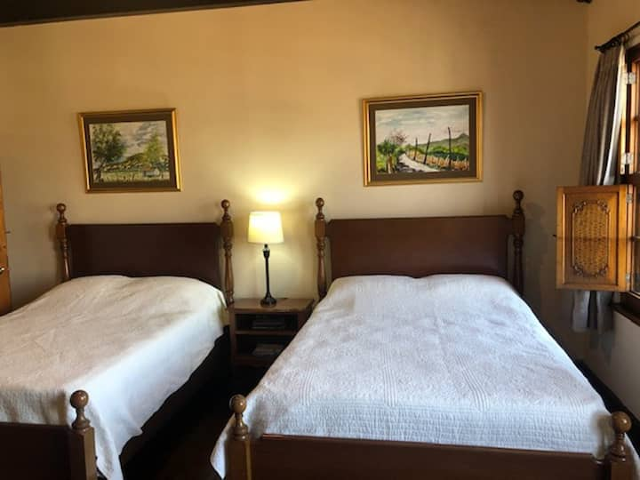 Comfortable Double Room in Bed & Breakfast