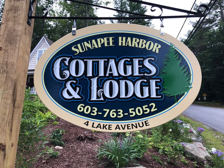 Sunapee Harbor Cottage #5 - Lake Avenue Loft