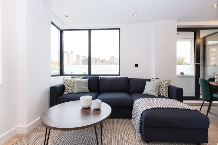 New in AirBnB!Modern Apartment in Kentish Town