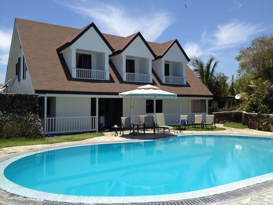Beach house pool private perfect houses for rent in iloilo western visayas philippines Private swimming pool for rent in cavite