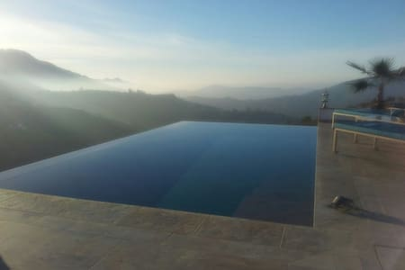 Infinity Pool Hacienda ThinkersINN1 Sun in Winter - Cómpeta