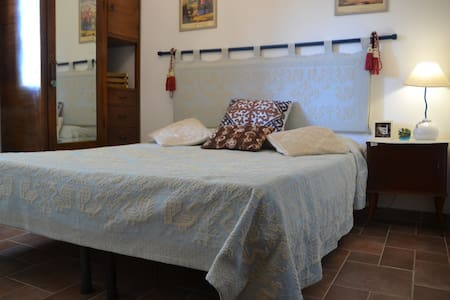 Stanza matrimoniale sarda - Sassari - Bed & Breakfast