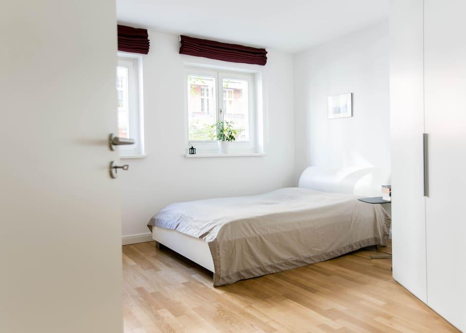 Schlafzimmer/ Bedrromm