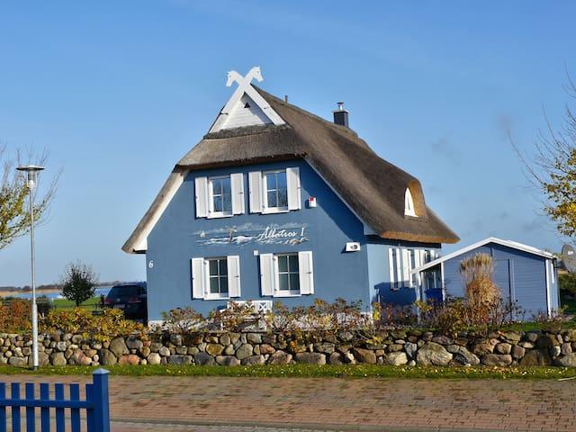 Ferienhaus Albatros I***** - Rügen - Ummanz Mursewiek - Hus
