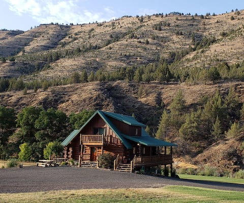 Log Home on the John Day River