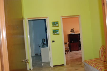 6th floor apartment long-term rent - Cesano Boscone - Apartamento