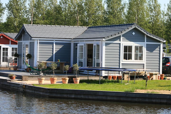 Summer house at the water - Loosdrecht - Bungalo