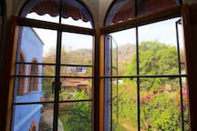 View from the living room-Vista desde la estancia