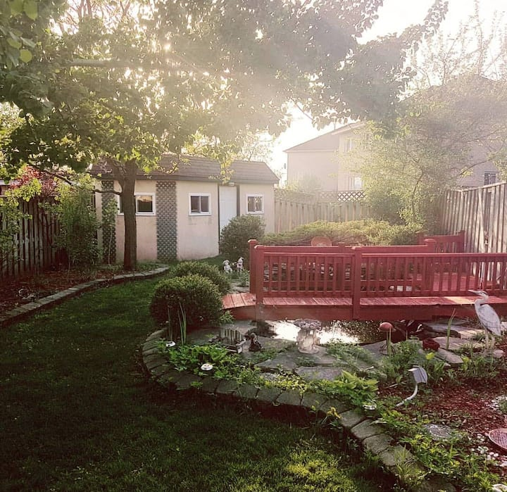 Garden Oasis cozy room w private bath in Vaughan.