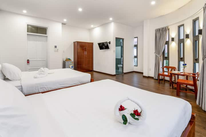supe cityview deluxe twin centre room