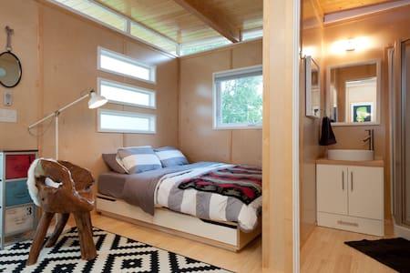 Fresh + Modern + Bright Tiny House - Austin