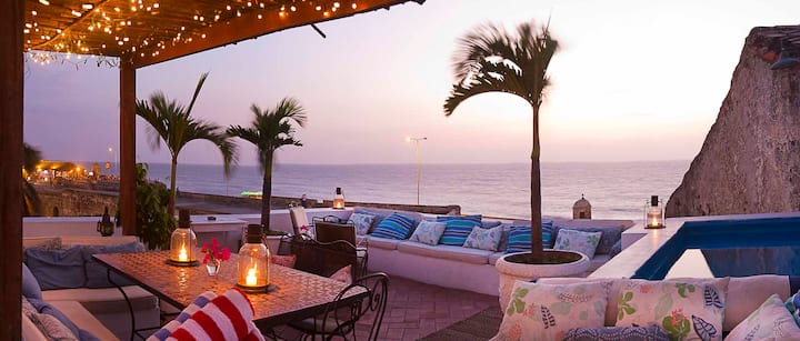 Enchanting Oceanfront Villa in the Historic Center