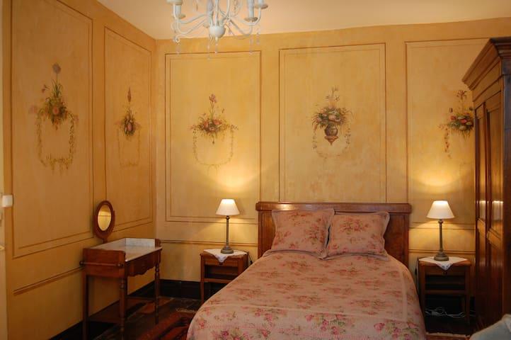 Chambres d'hôtes de charme. - Angoulême - Bed & Breakfast